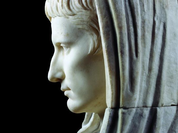 17803-1_-_Statua_di_Augusto_part_Palazzo_Massimo